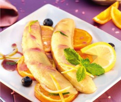 Mézben sült banán vörösboros öntettel