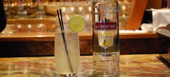 Sobieski Elderflower Collins koktél