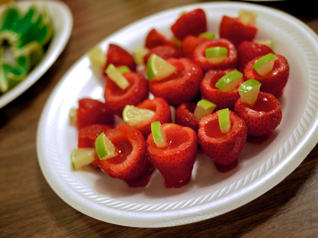 Strawberry Banana Jello Shots