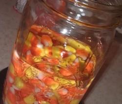 Candy Corn Vodka készítése