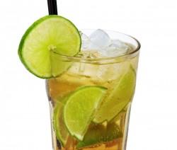 Cinna-Lime Spice Sipper koktél