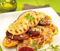 Kanadai húspogácsa ketchuppal