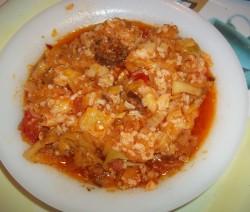 Tökös-rizses lecsó füstölt kolbásszal és szalonnával