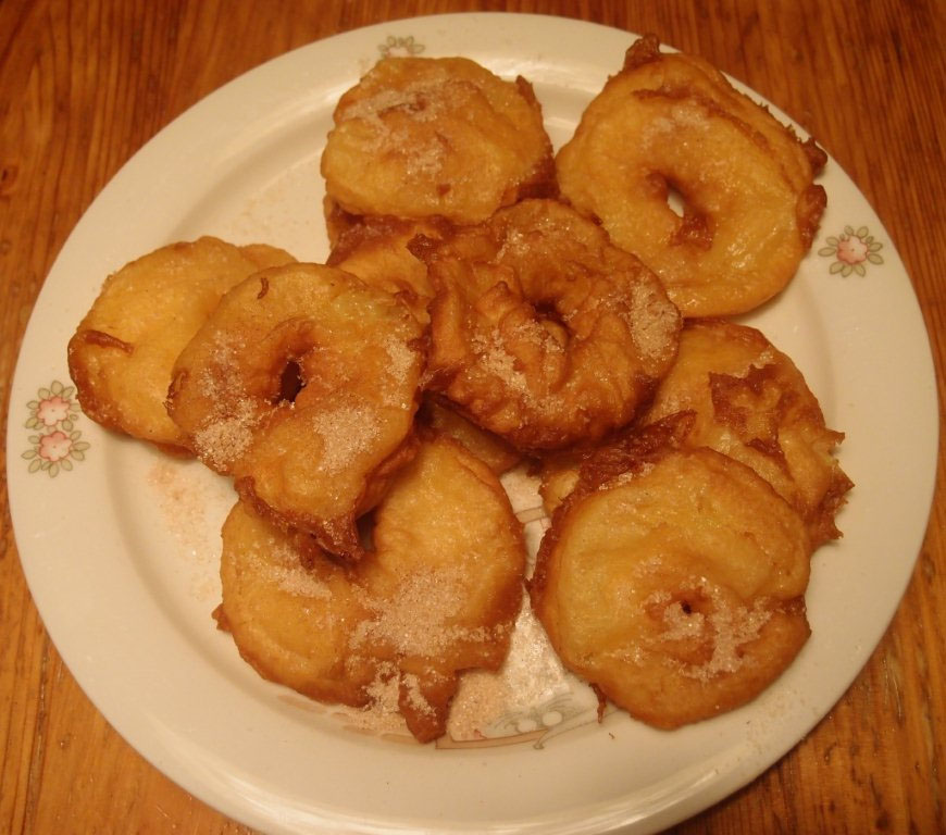 Fahéjas-porcukros bundás alma
