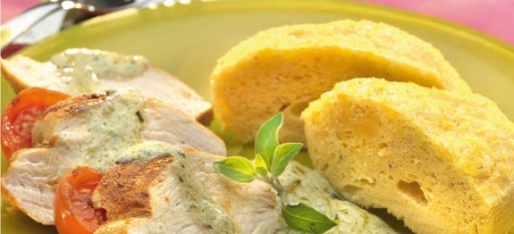 Csirkemell filé csiperkés avokádókrémmel