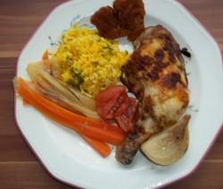 Indiai csirke kurkumás rizzsel, párolt zöldségekkel