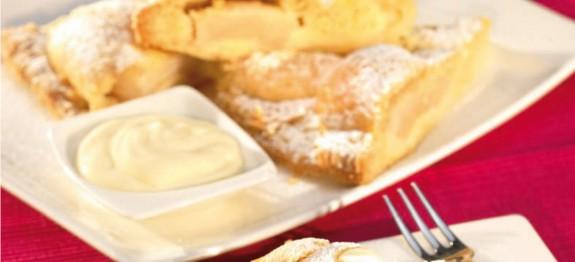 Mandulás almatorta vaníliamártással