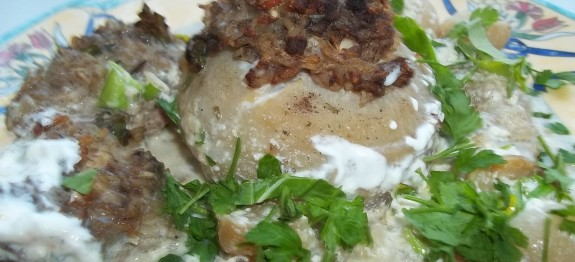 Kacsamáj pástétommal töltött karalábé tejfölös-fehérboros szószban