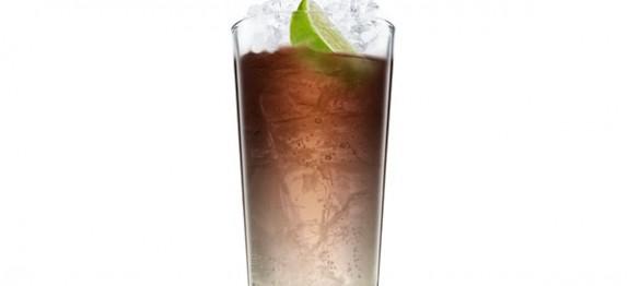 Malibu and Cola koktél