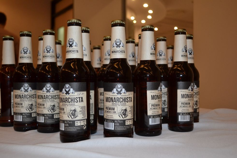 Monarchista sör