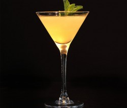 Apricot Vodka Martini koktél