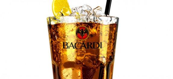 Bacardi Gold & Cola koktél
