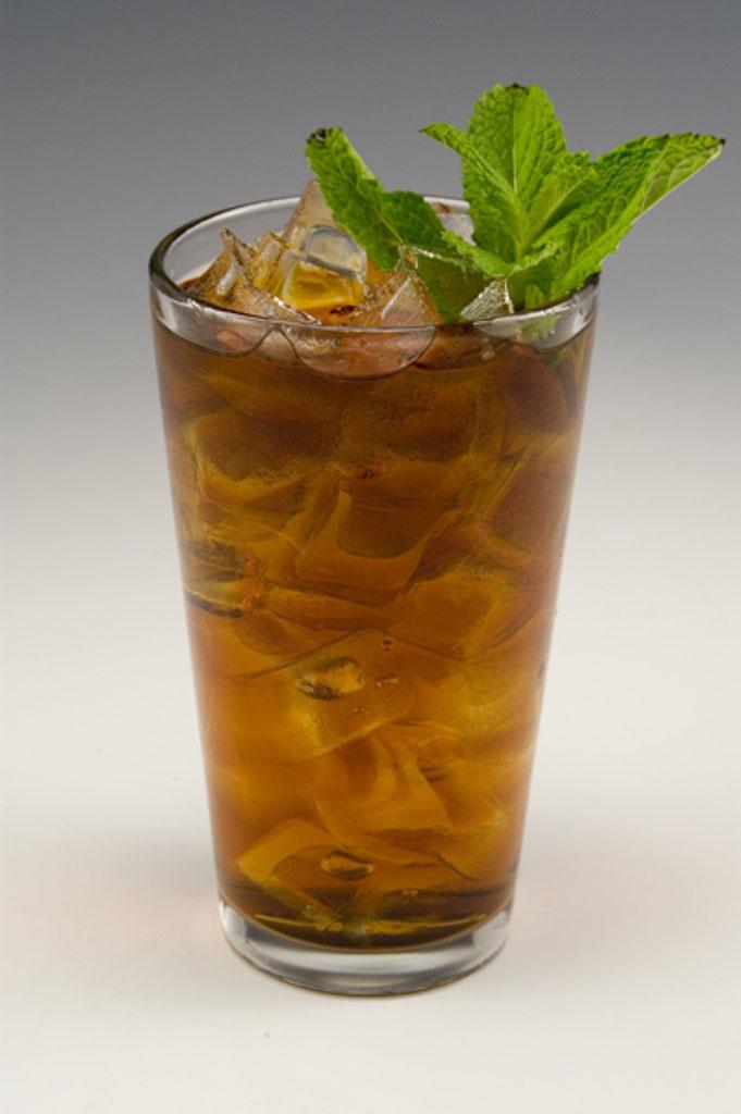 Berry Mint Tea koktél
