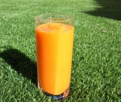Mangós-sárgarépás turmix