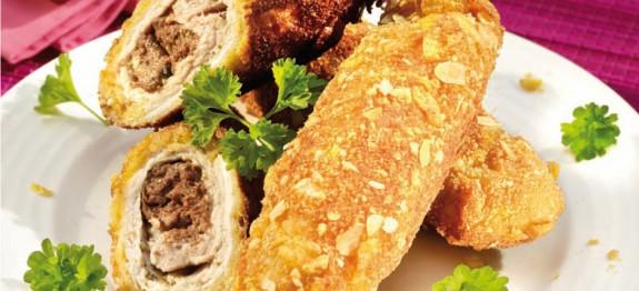 Csirkemájjal töltött karajszelet mandulás-kukoricapelyhes bundában