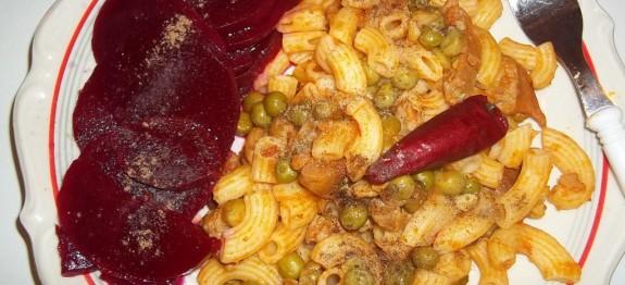 Pipette Rigate borsós sertéspörkölttel és céklával