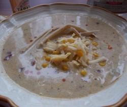 Mexikói sajtleves kukoricával, tequilával és tortillával