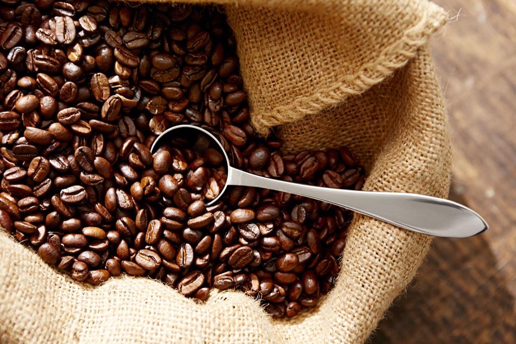 pörkölt kávészemek